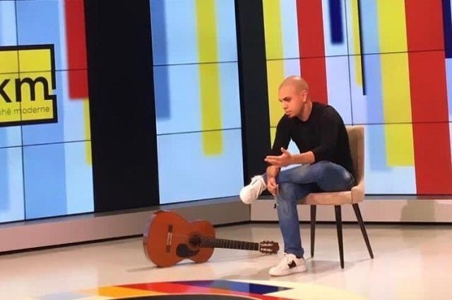 """Franc Koruni: """"Këngët më kanë ndihmuar të kursej lekët tek psikologu"""""""
