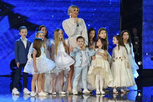Fest 58, Nata dytë, Alketa Vejsiu me grupin e fëmijëve
